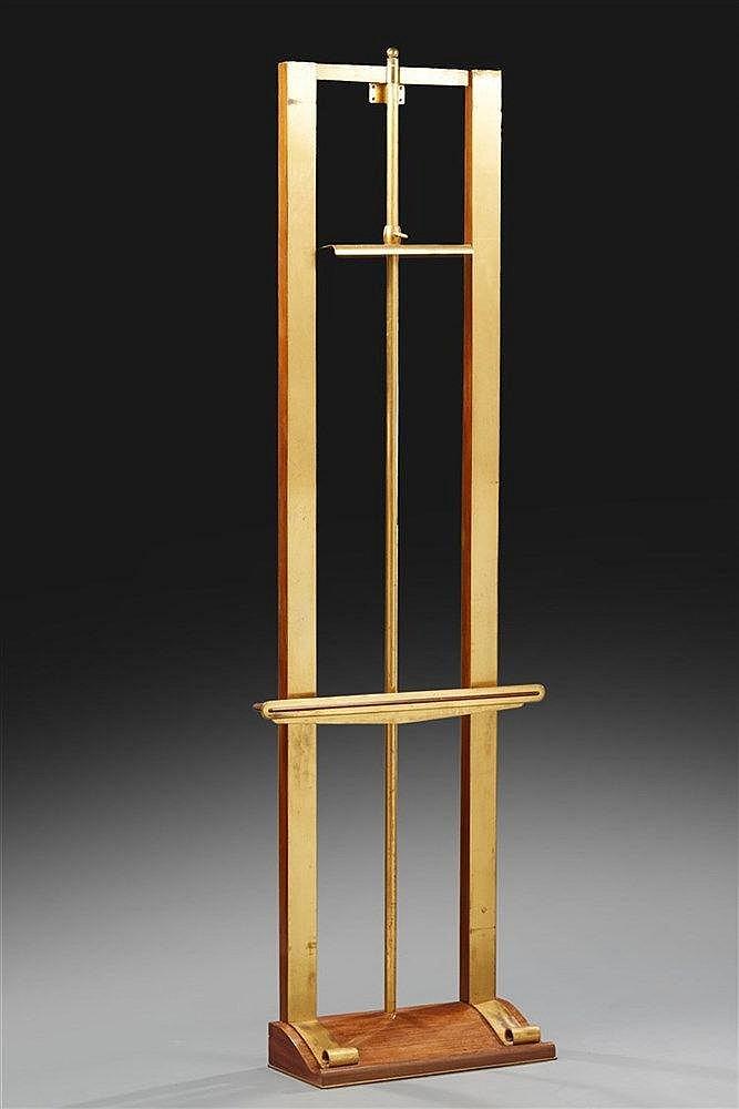 Important chevalet  Structure composée d'une âme en bois garnis de deux la