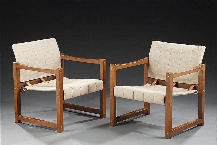 Karin Mobring (XXe) Paire de fauteuils modèle Diana à structure en bois as