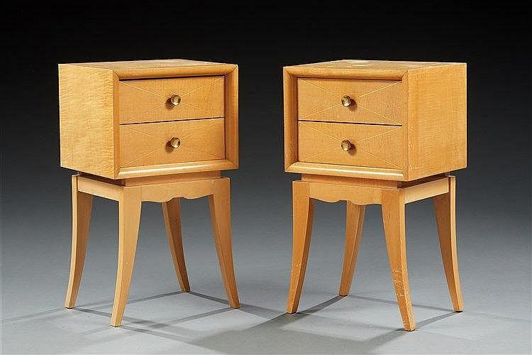 Suzanne Guiguichon ?(1900-1985)  Paire de tables de chevet en placage de s