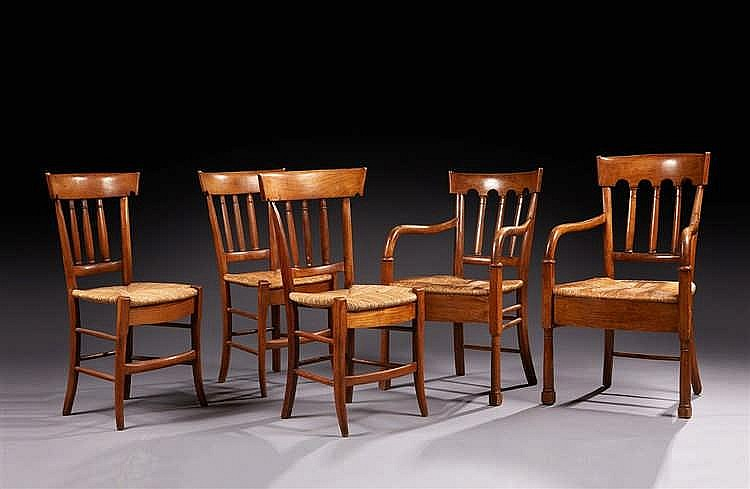 Ensemble de dix chaises et quatre fauteuils paillés. Epoque début XIXe si