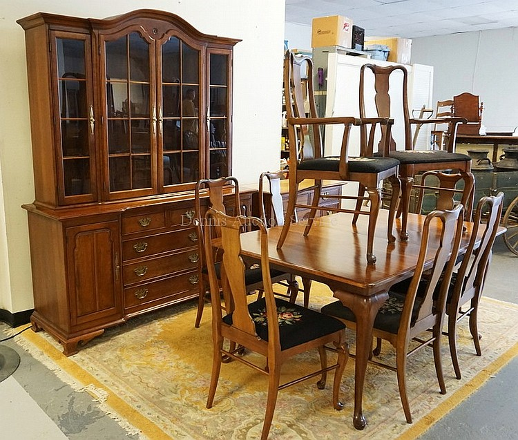 11 piece cherry dining room set by thomasville includes a breakfront