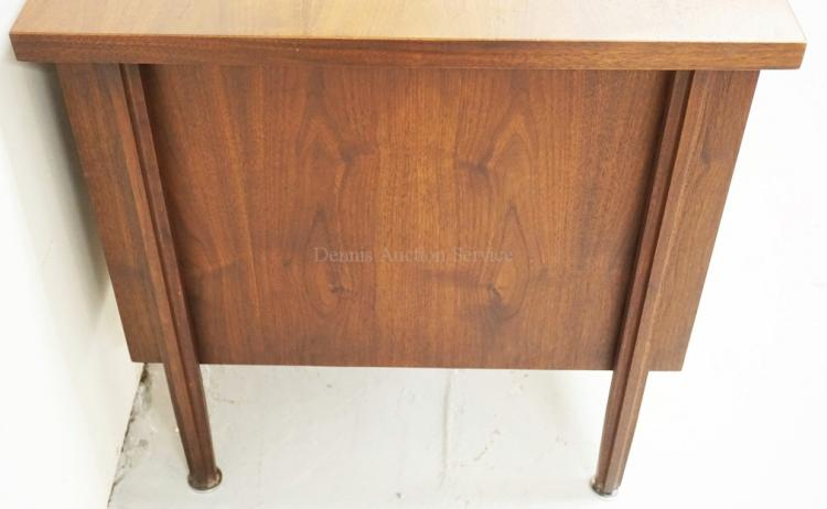 John Stuart Mid Century Modern Desk With 3 Drawers And A Pul