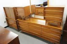 5 PIECE MCM BEDROOM SET WITH CONCAVE BOW FRONTS. HIGH CHEST, LOW CHEST WITH MIRROR, 2 NIGHSTANDS, AND A BED.