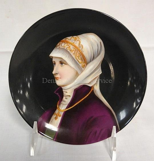 HAND PAINTED 6 1/4 IN PORTRAIT PLATE; PROFILE OF A