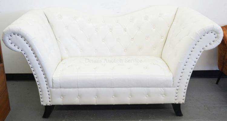 sofa in tufted white leather with a high back and sides 76. Black Bedroom Furniture Sets. Home Design Ideas