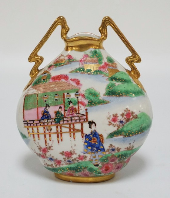 ASIAN PORCELAIN VASE WITH HAND PAINTED DECORATION INCLUDING GEISHA AND LANDSCAPE. 7 7/8 INCHES HIGH. MALL NICK AT BASE.