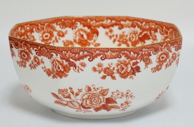 SPODE PORCELAIN OCTAGONAL BOWL. DECORATED WITH FLOWERS. 9 5/8 INCHES WIDE. 4 1/2 INCHES HIGH.