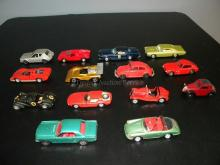 LOT OF VINTAGE DIE CAST MODEL CARS ASSORTED BRANDS