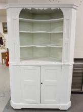 2 PIECE CORNER CUPBOARD IN WHITE. 81 1/2 INCHES HIGH. 53 INCHES WIDE.