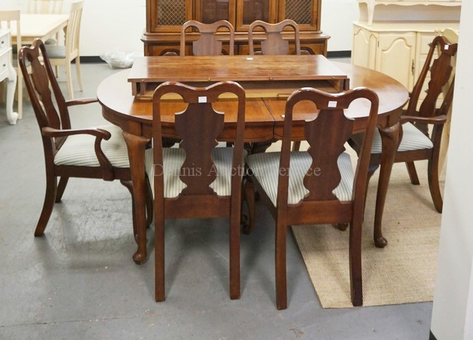 8 PIECE CHERRY DINING ROOM SET HUTCH TABLE WITH 2 LEAVES