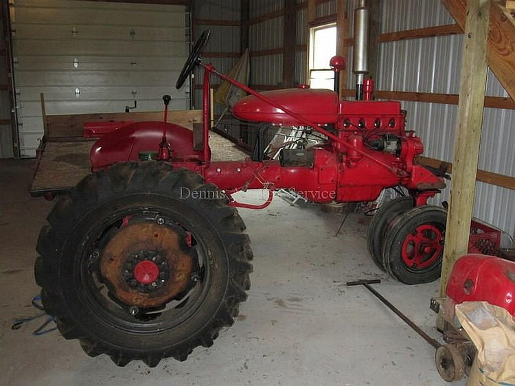 FARMALL MCCORMICK  4 Speed Trans 8638DE, NOT in running condition