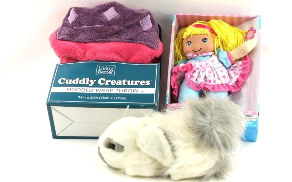 Kids Lot- Hooded Wrap Throw, Dolly, Stuffed Animal