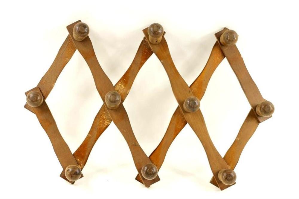 Wood Peg Rack