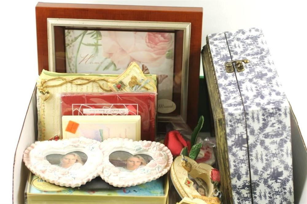 Lot of Picture Frames, etc