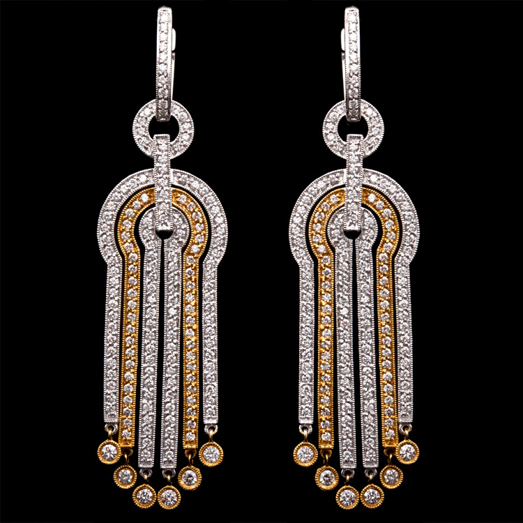 18K GOLD DANGLE EARRINGS W/ 2.58ct. DIAMOND
