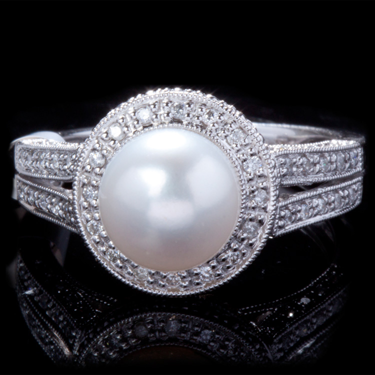 14K GOLD RING W/ 8.3mm PEARL & 0.32ct. WHITE DIA
