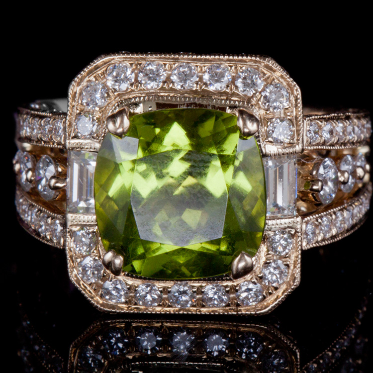 14K GOLD RING W/ 4.75ct. PAKISTAN PERIDOT &