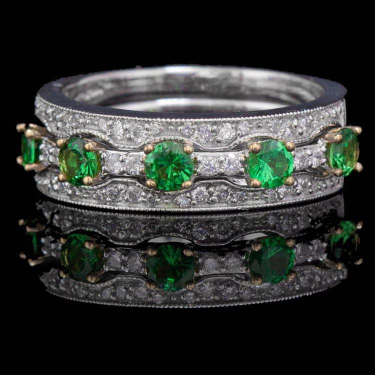 14K GOLD RING W/ 0.75ct. TSAVORITE & 0.27ct. WHITE DIA