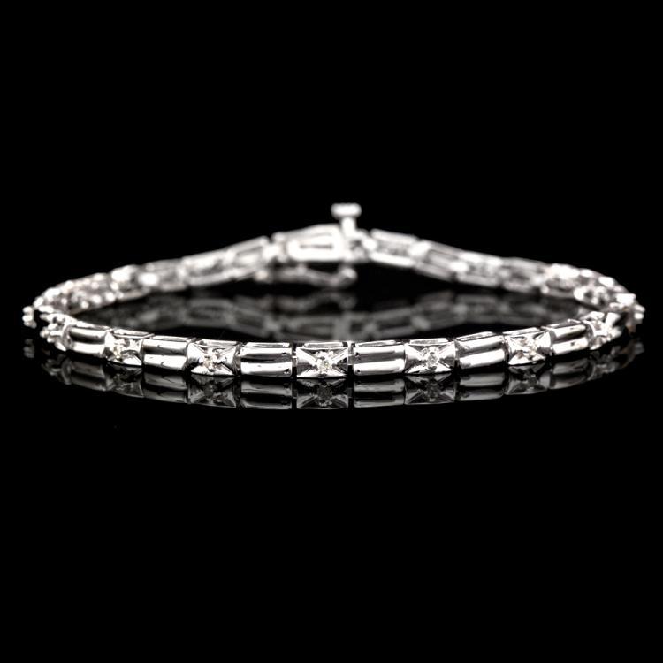 14K WHITE GOLD BRACELET W/ 0.33ct. DIAMOND