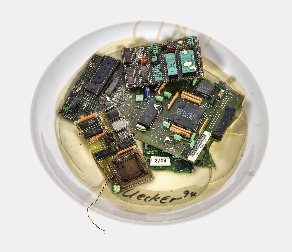 "UECKER, GÜNTHER: ""Electronic Salat""."