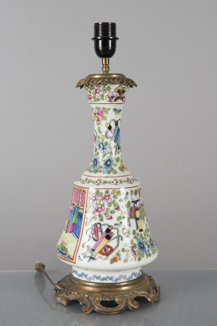 Lampe de chevet en opaline blanche d cor fa on canton for Lampe de chevet blanche