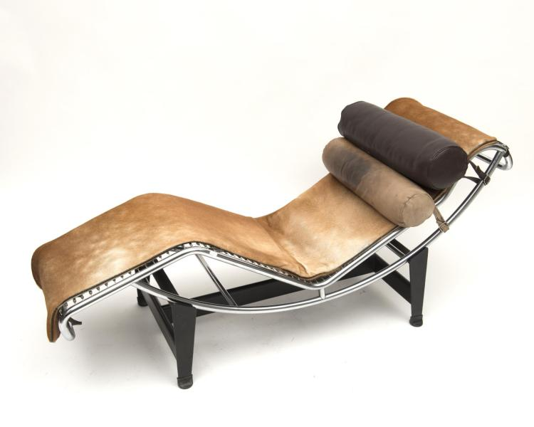 Le corbusier charlotte perriand chaise longue lc4 for Chaise longue design le corbusier