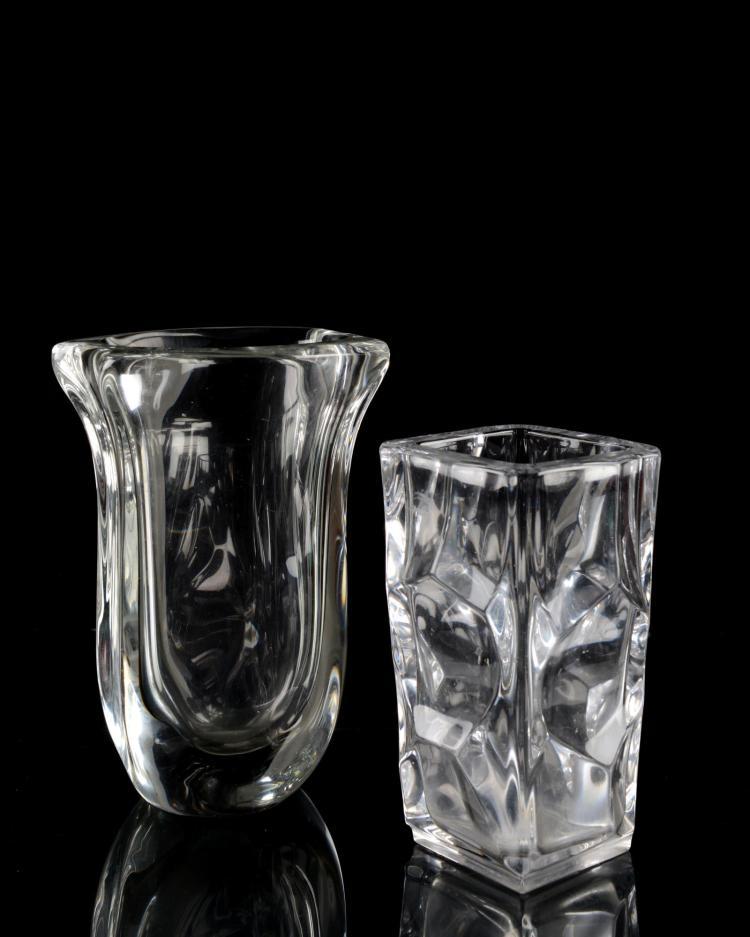 deux vases en cristal de s vres. Black Bedroom Furniture Sets. Home Design Ideas