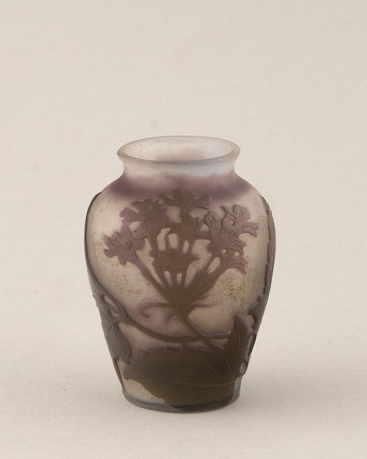 Petit vase en verre grav l 39 acide de gall d cor floral - Decoration vase en verre ...