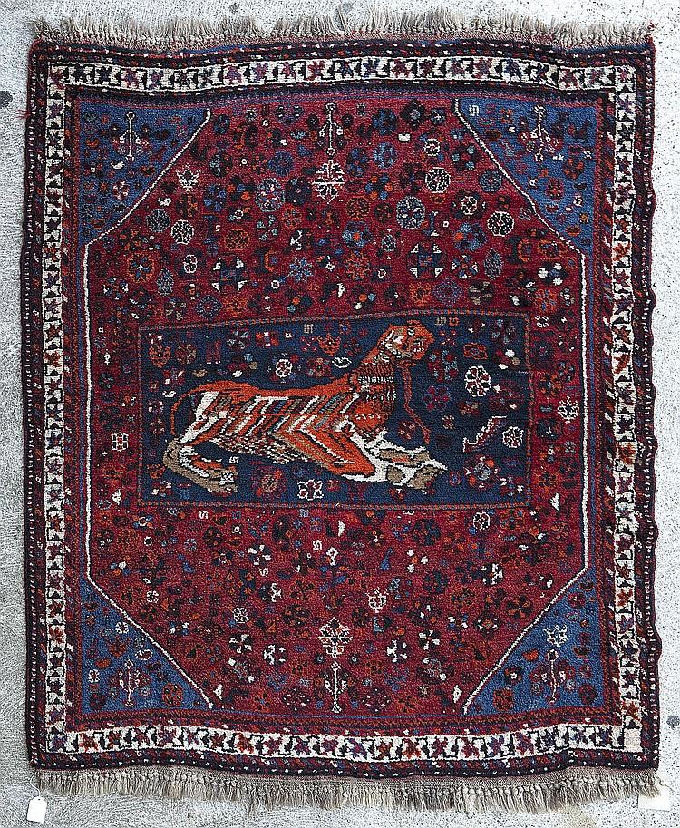 tapis nomade bakhtiar sur trame de laine de ch vre m daill. Black Bedroom Furniture Sets. Home Design Ideas