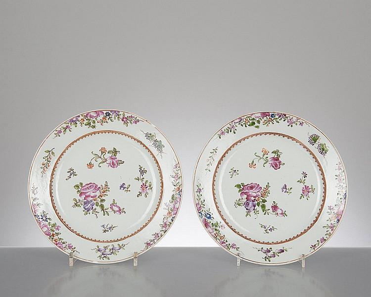 2 assiettes plates en porcelaine de la compagnie des indes. Black Bedroom Furniture Sets. Home Design Ideas