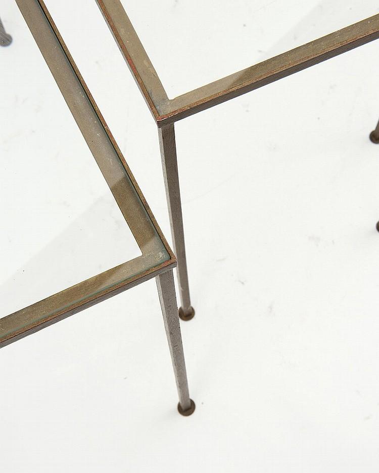 3 petites tables gigognes rectangulaires plateau de verre - Tables gigognes en verre ...