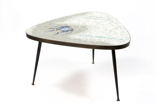 table basse mosa que des ann es 1950. Black Bedroom Furniture Sets. Home Design Ideas