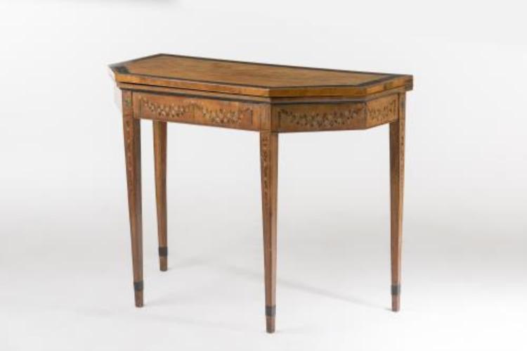 table bois octogonale. Black Bedroom Furniture Sets. Home Design Ideas