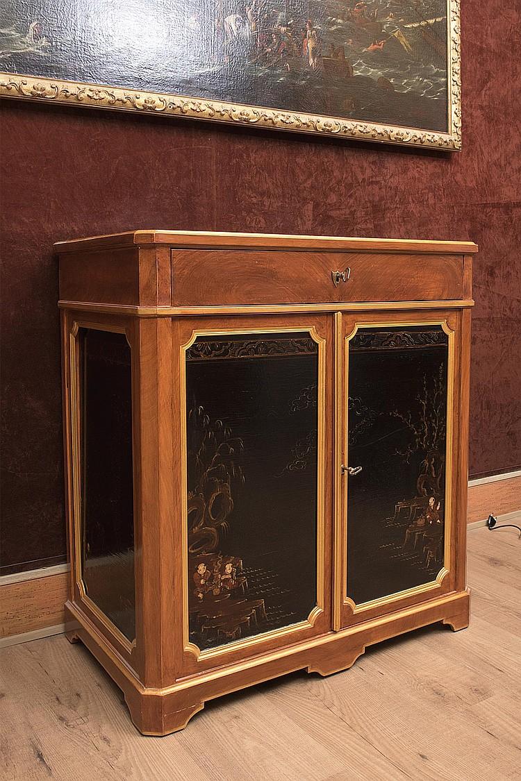 Petit meuble secr taire de style louis xvi du xixe en imitat for Interieur paupiere inferieure rouge