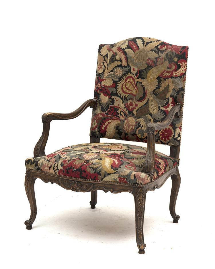 fauteuil louis xv en bois naturel bandeau 224 la coquille et