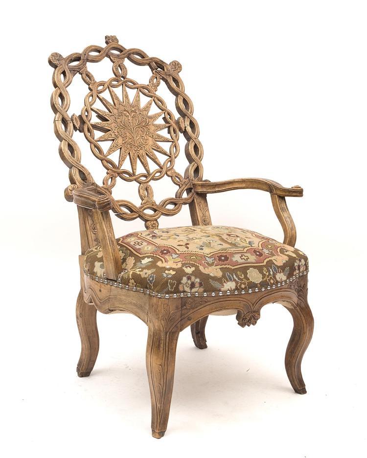 fauteuil de style louis xv 224 assise recouverte de tissu aux