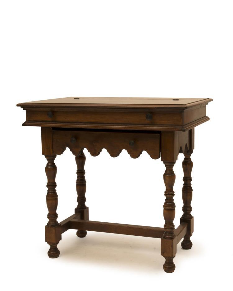Table secr taire en ch ne ouvrant un tiroir dans le bandea - Table console chene ...