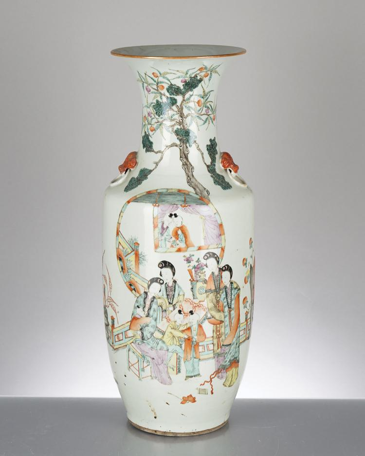 Vase en porcelaine de chine d cor en famille rose de femme for Porcelaine de chine
