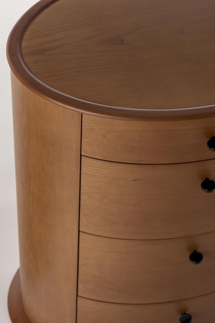 molteni paire de chevets en tonneau 4 tiroirs. Black Bedroom Furniture Sets. Home Design Ideas