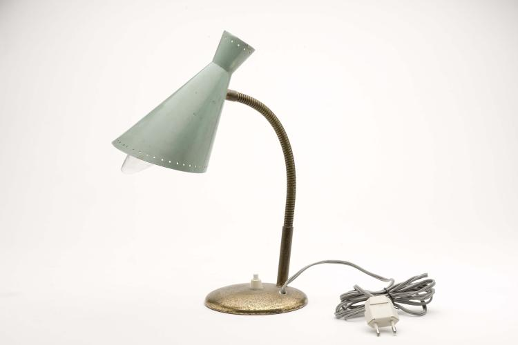lampe de table italienne stilnovo ann es 50 par gino sarfatt. Black Bedroom Furniture Sets. Home Design Ideas