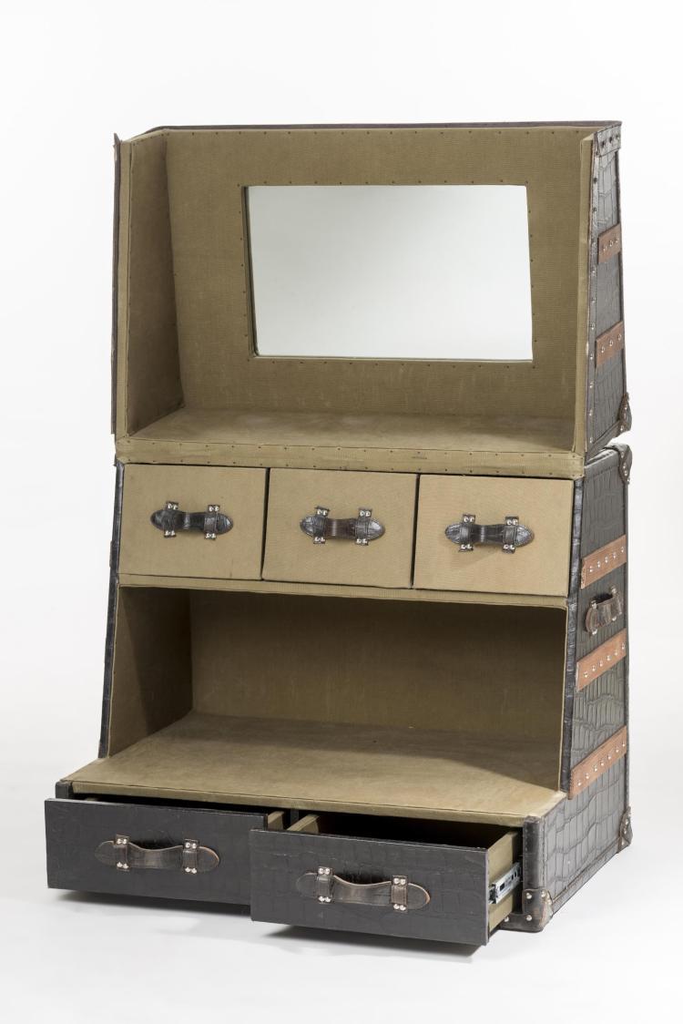 Malle coiffeuse en cuir noir imitation croco for Miroir des modes 427