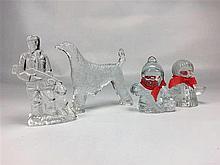 Petites figurines scandinaves verre moulé H. entre 10 et 15 cm