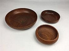 3 Coupes Teck D. 13,5 17 et 25 cm