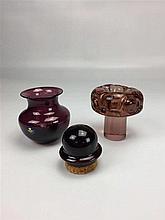 Salière en verre bouchon liège + petit vase en cristal Royal Copenhagen H 9