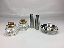 2 petits pots verre avec bouchon liège + poivrière/salière + bougeoir métal
