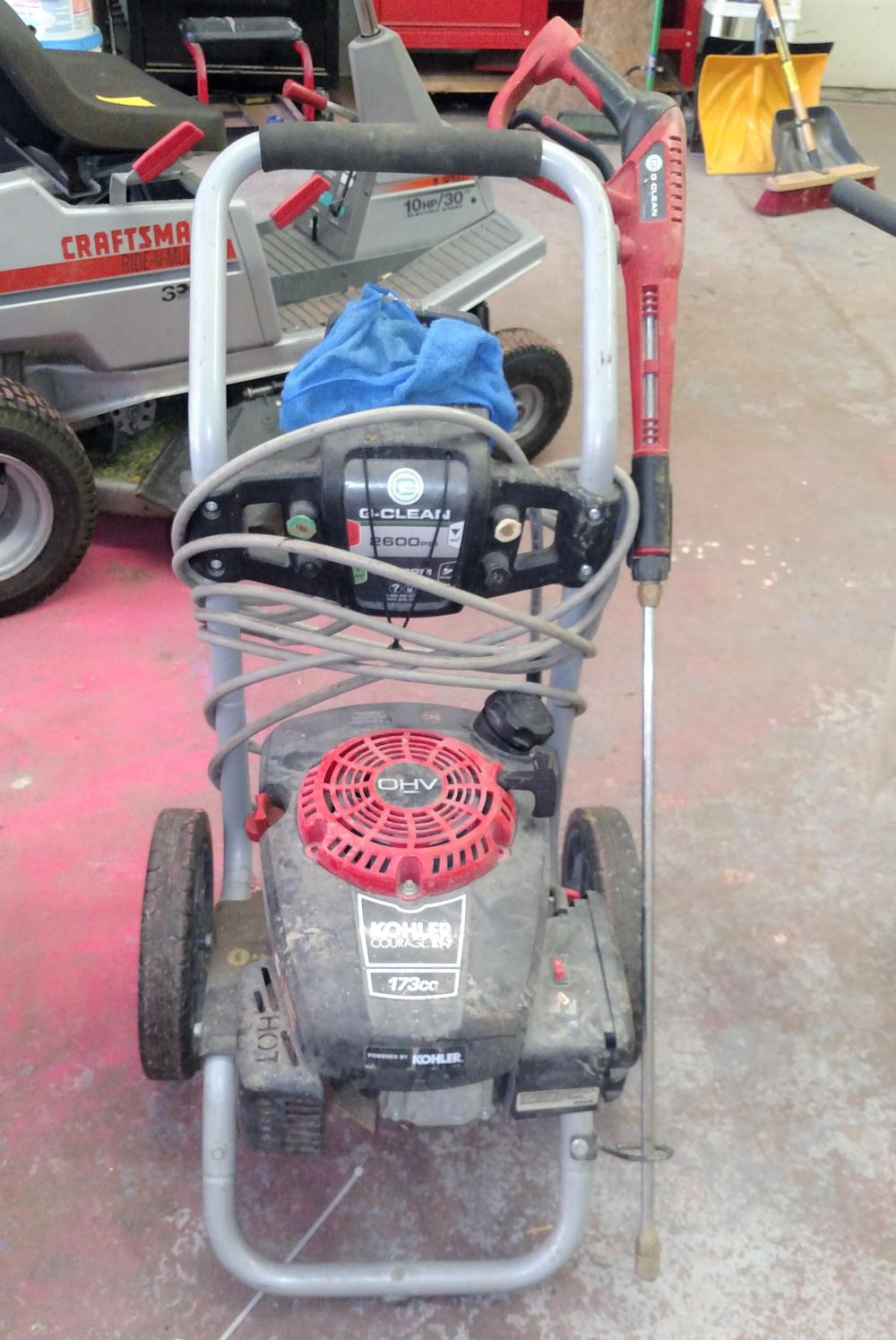 G-clean 2600 psi power washer- runs good