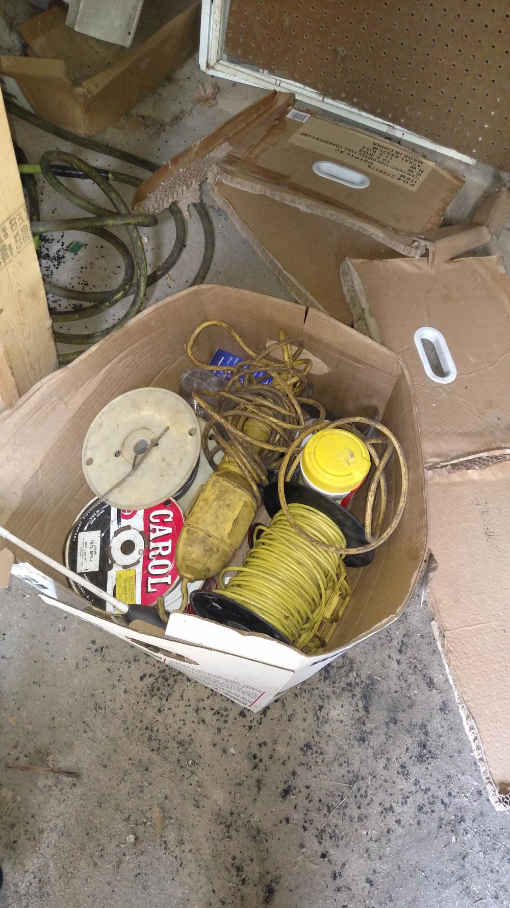 room contents--toilet bottom, light fixtures, cords and wire, pot luck joblot