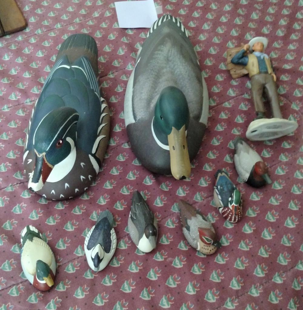 2 wood ducks, 6 Avon ducks, Avon John Wayne figurine