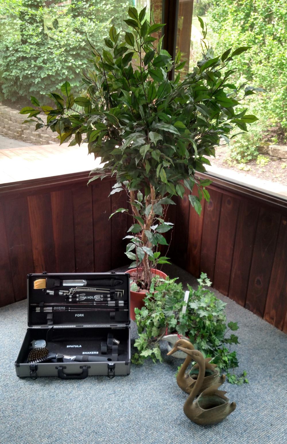 2 brass ducks, artificial plants, partial grill set
