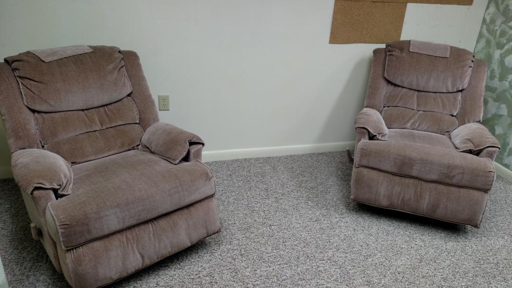 2 rocker recliners
